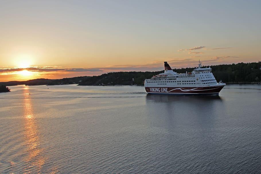 Hallitus esittää lisämäärärahaa laivaliikenteen avustamiseen