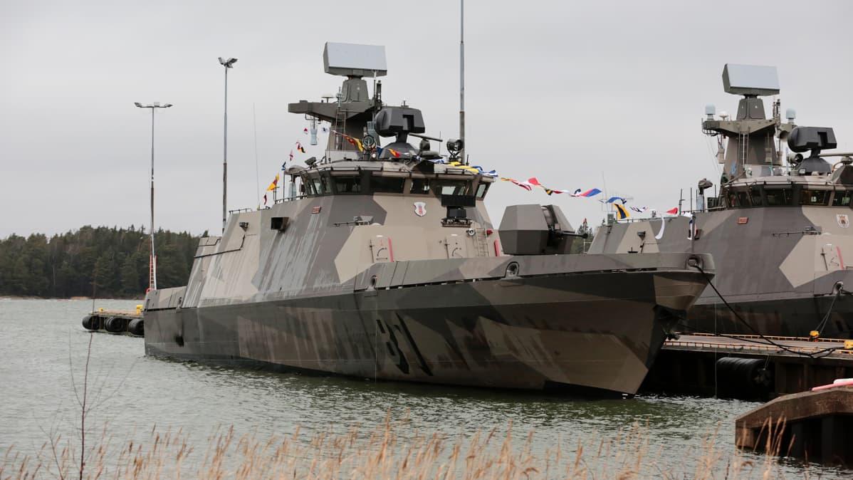 Merivoimat harjoittelee sukellusveneentorjuntaa Ruotsissa