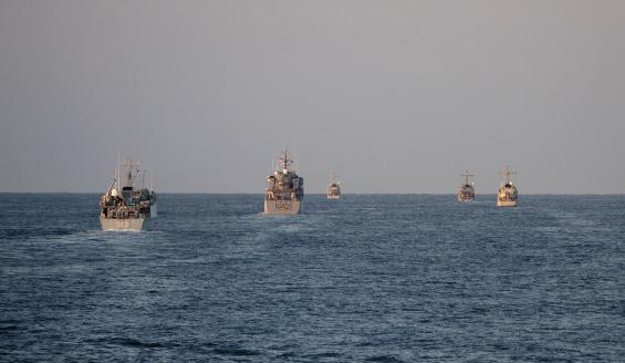 Merivoimat harjoittelee miinantorjuntaa Naton alusosaston kanssa