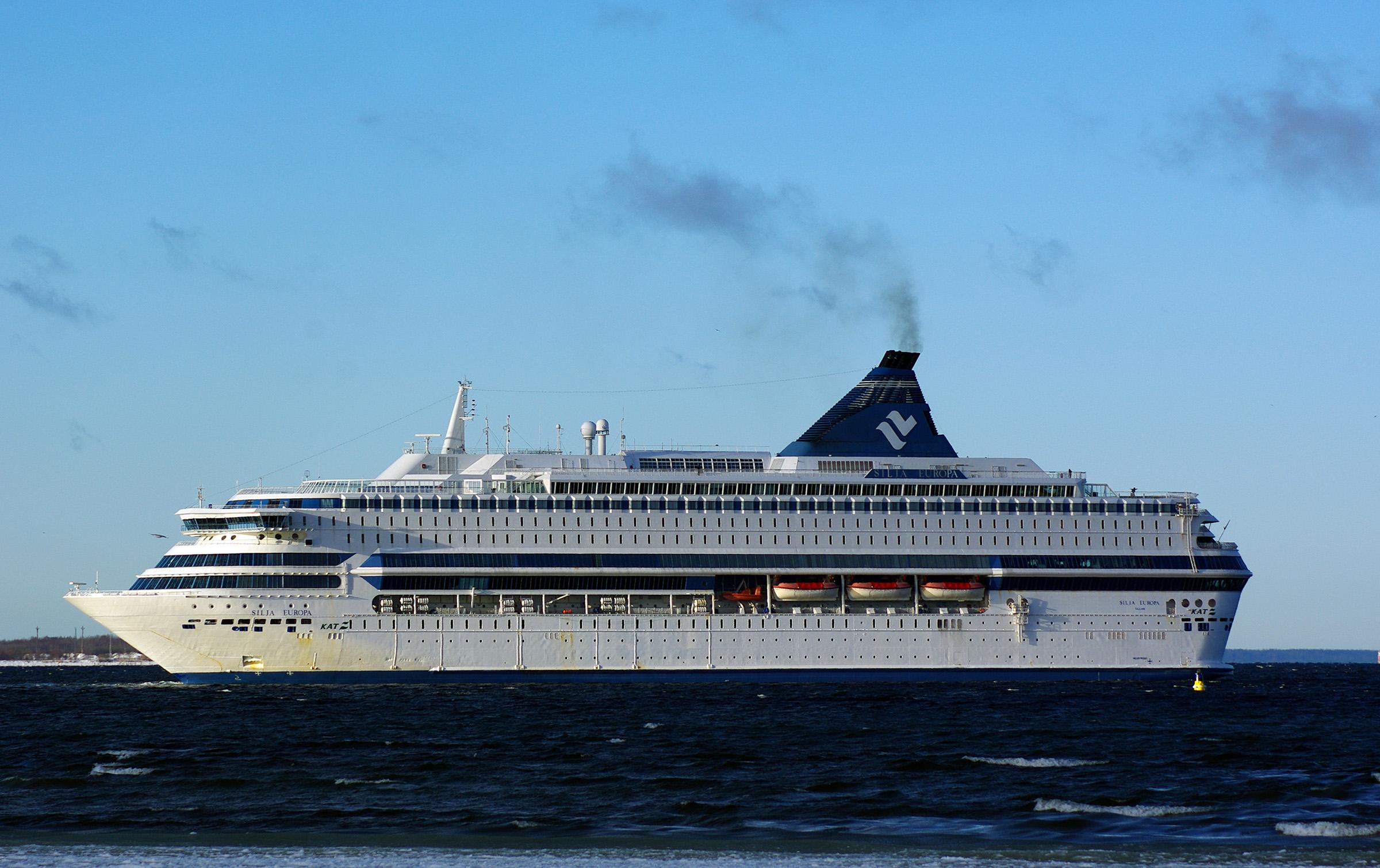 Tallink vuokraa Silja Europan kuukaudeksi Skotlantiin